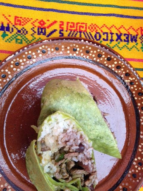 Tänavatoidu klassika- burrito Mehhiko väikesaarelt Isla Mujeres